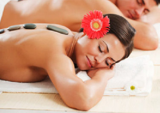 masajes-de-relajacion-masaje-con-piedras-calientes