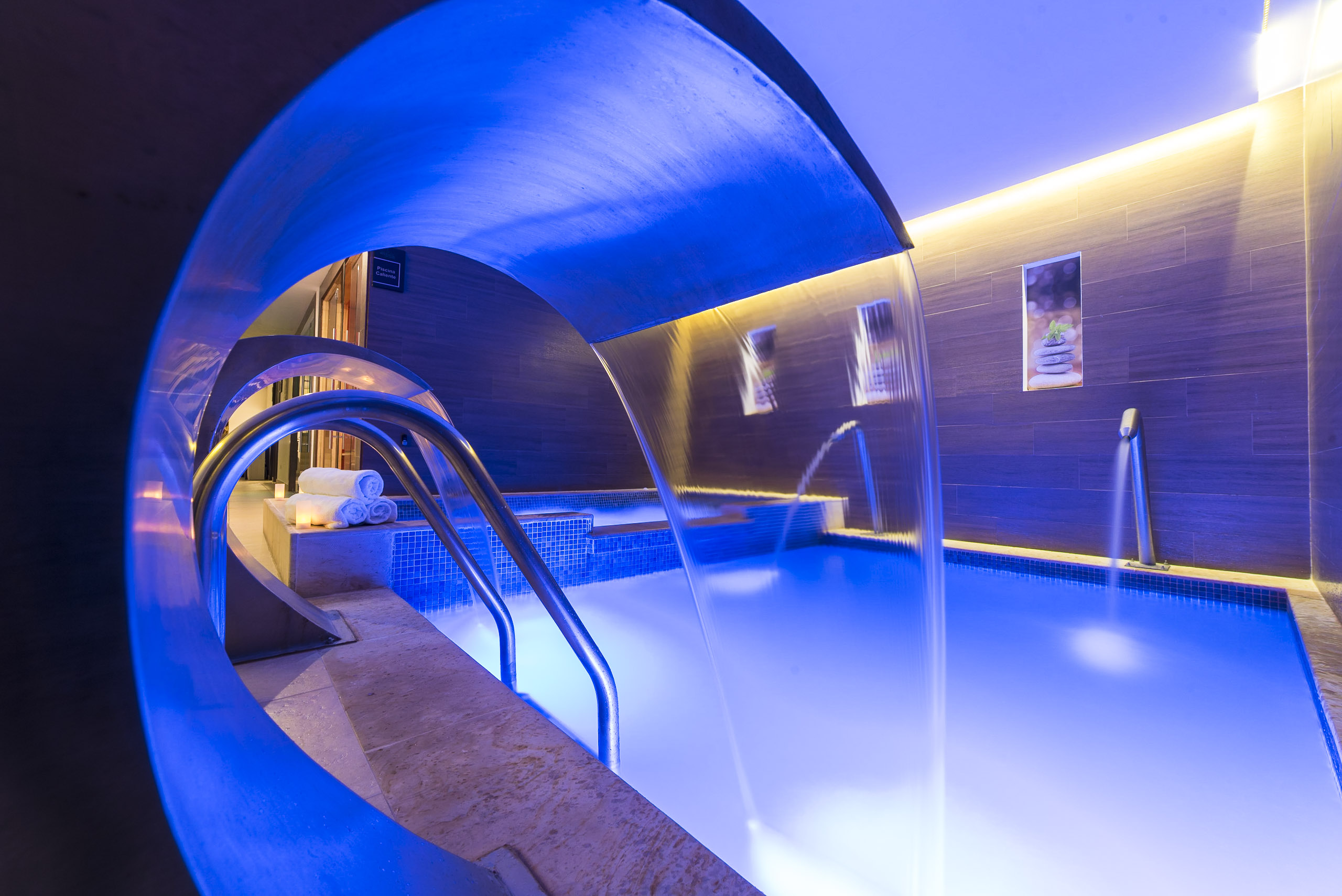 Piscina Wellness Spa Movil Center Bogota